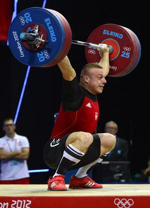 Adrian Zieliński w dwuboju uzyskał wynik 385 kg /Yuri Cortez /AFP