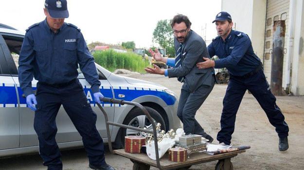 Adrian zostaje aresztowany! /TVN