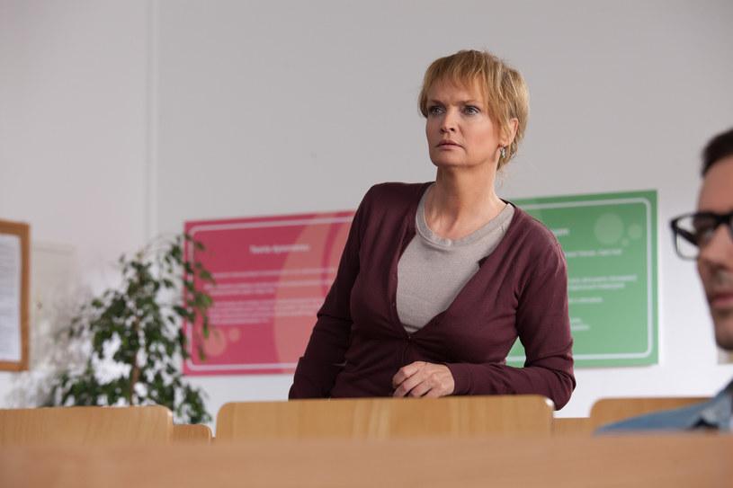"""Adrianna Biedrzyńska jako Małgorzata Zwoleńska w """"Barwach szczęścia"""" /Agencja W. Impact"""