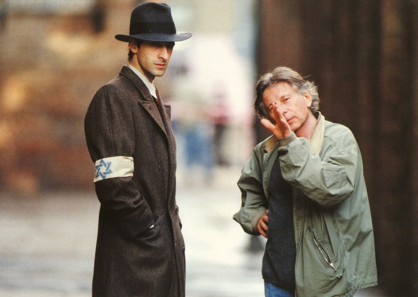"Adrien Brody i Roman Polański na planie ""Pianisty"" /Mary Evans Picture Library /East News"