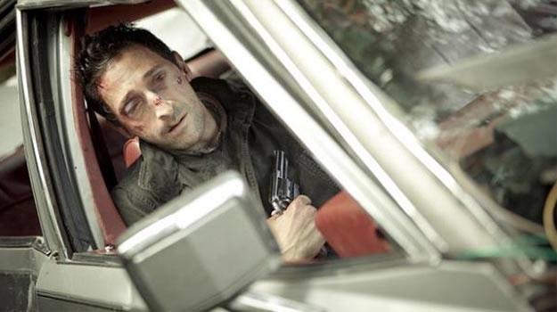 Adrien Brody uwięziony w samochodzie, i tak przez 90 minut... /materiały dystrybutora
