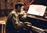 """Adrien Brody w filmie """"Pianista"""" /"""