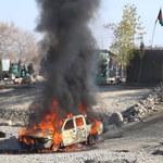 """Afganistan: Co najmniej osiem ofiar po samobójczym zamachu. """"Eksplodował samochód pułapka"""""""
