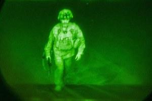 Afganistan: Ostatni żołnierz USA opuszcza Kabul. To zdjęcie przejdzie do historii