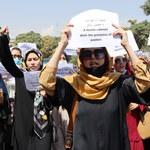 Afganistan. Protest kobiet przed pałacem prezydenckim w Kabulu