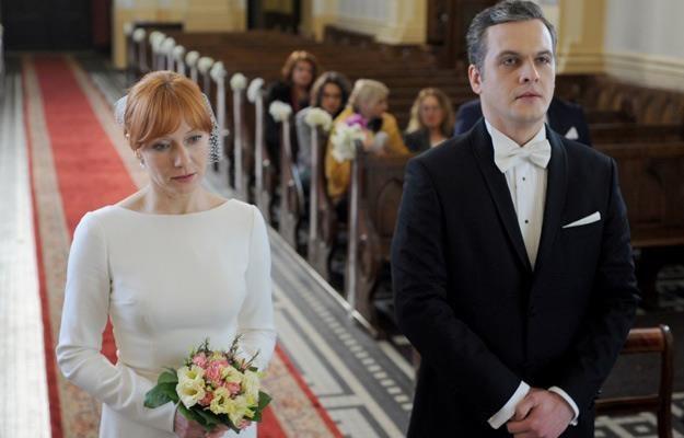 Aga (Magdalena Walach) ma wątpliwości, czy powinna wychodzić za mąż... /Agencja W. Impact