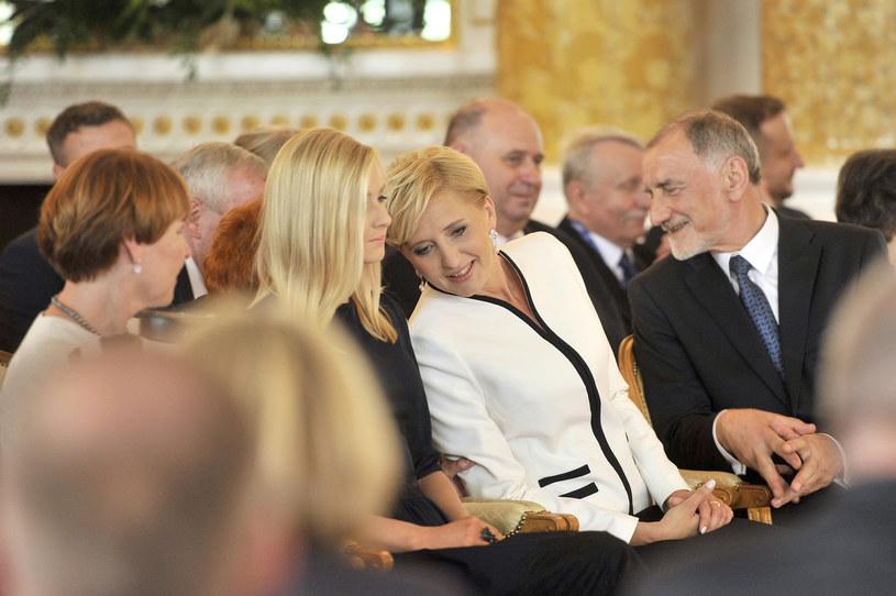 Agata Duda z córką i Macierewiczem /- /East News