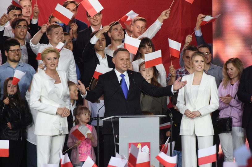 Agata Kornhauser-Duda, Andrzej Duda, Kinga Duda w czasie wieczoru wyborczego /Zbyszek Kaczmarek /Reporter