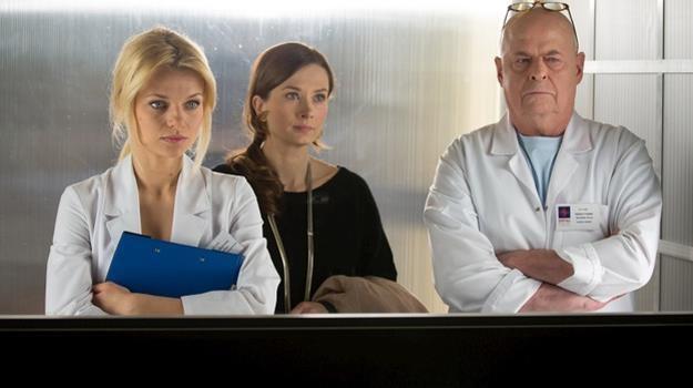 Agata, Lena i Tretter zamartwiają sie o zdrowie Latoszka /Agencja W. Impact