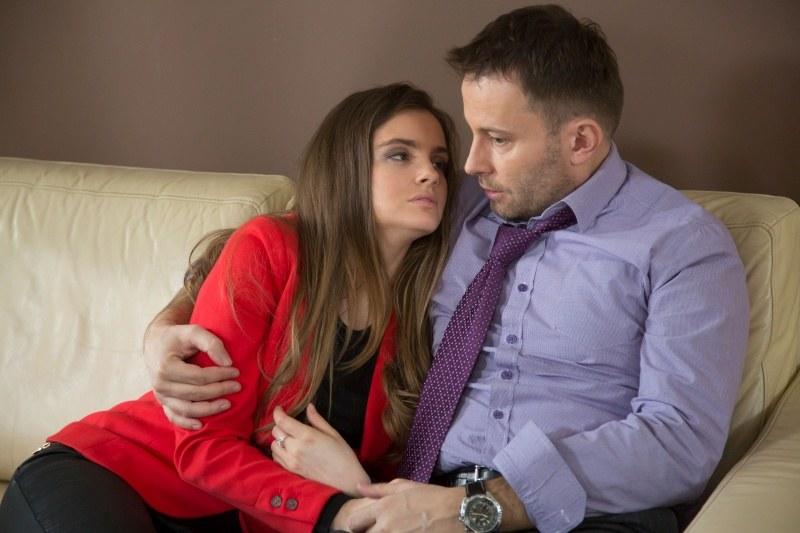 Agata (Maria Niklińska) pojedna się z Jackiem (Tomasz Bednarek) i padną sobie w ramiona /Agencja W. Impact