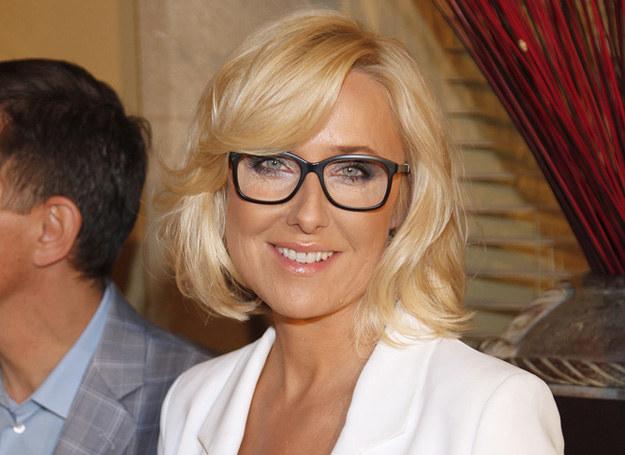 Agata Młynarska umie podkreślić oczy, nawet gdy ma okulary /Ida Podsiebierska /AKPA