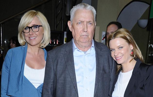 Agata Młynarska z ojcem Wojciechem i siostrą Pauliną na beneficie w radiowej Trójce /Jarosław Antoniak /MWMedia
