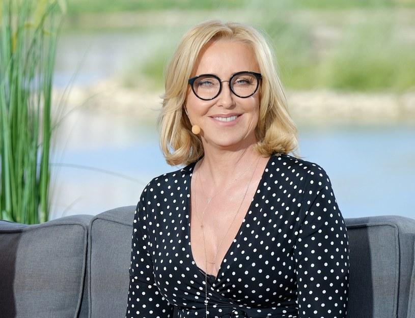 Agata Młynarska zmian podchodzi z wielkim dystansem i nie stara się ukrywać swojego wieku /Bartosz Krupa /East News