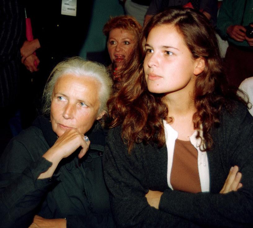 Agata Passent ze swoją mamą Agnieszką Osiecką w Sopocie, 1993 r. /Mieczysław Włodarski /Reporter