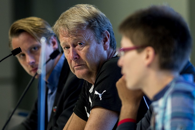 Age Hareide, trener Helsingborgs IF (w środku). /Maciej Kulczyński /PAP