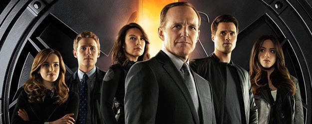 """""""Agenci T.A.R.C.Z.Y."""": Coulson (Clark Gregg) razem z grupą agentów szukają superherosów i przestępców, którzy z pomocą nadnaturalnych mocy próbują uciec przed sprawiedliwością. (TVP 1, od wtorku 3.03, godz.: 20.25) /materiały prasowe"""