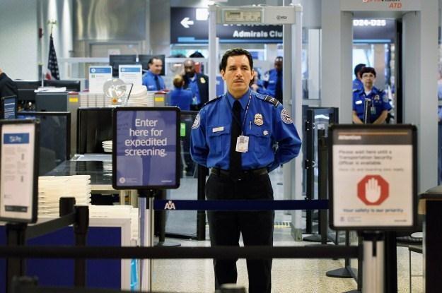 Agenci TSA przekroczyli niejedną granicę /AFP