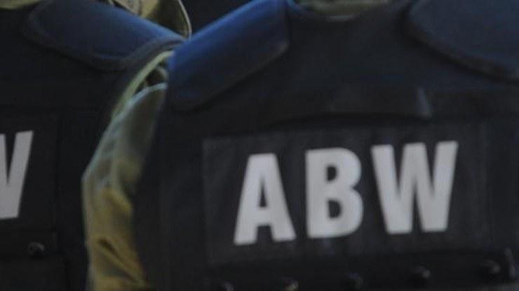 Agencja Bezpieczeństwa Wewnętrznego zatrzymała trzy osoby /źródło: ABW /