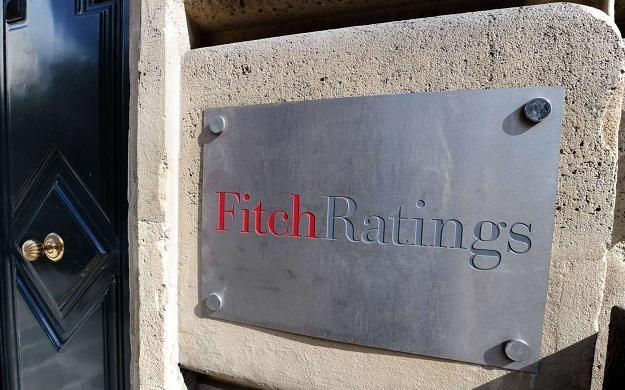 Agencja Fitch obniżyła długoterminowy rating siedmiu banków /AFP