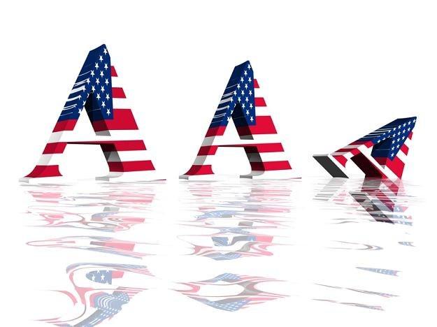 Agencja Fitch obniżyła prognozę kredytową USA ze stabilnej do negatywnej, utrzymując rating AAA /© Panthermedia