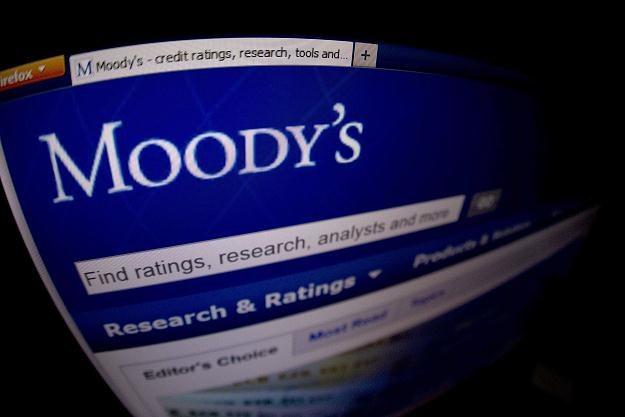 Agencja ratingowa Moody's rozważa obniżenie ratingów 114 banków z 16 krajów /AFP