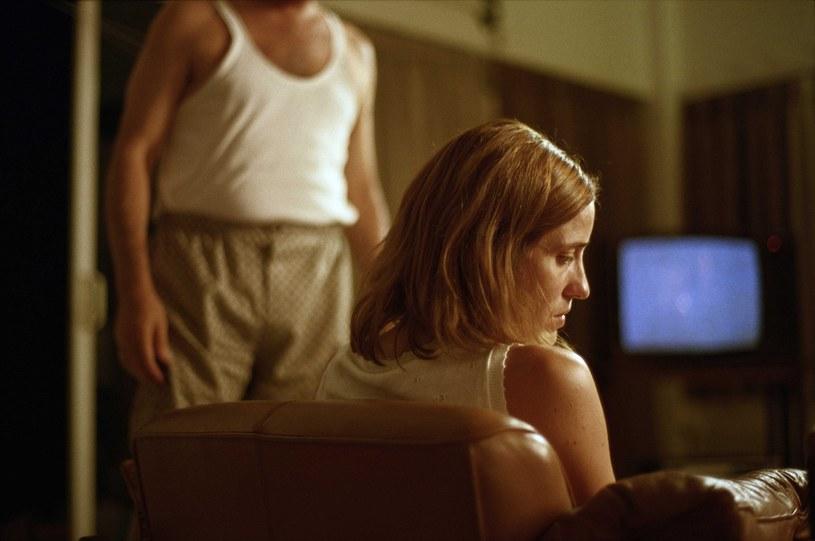 "Aggeliki Papoulia w filmie ""Kieł"" /Credit: BOO PRODUCTIONS /East News"