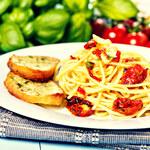 Aglio, olio e peperoncino - włoski przysmak w 10 min.