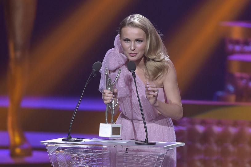 """Agnieszka Cegielska otrzymała w 2016 roku Telekamerę Tele Tygodnia w kategorii """"prezenter pogody"""" /AKPA"""