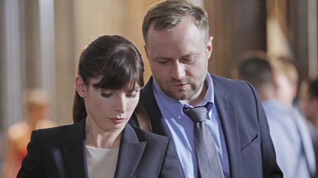 """Agnieszka Dygant i Leszek Lichota w scenie z serialu """"Prawo Agaty"""" / fot. Podsiebierska /AKPA"""