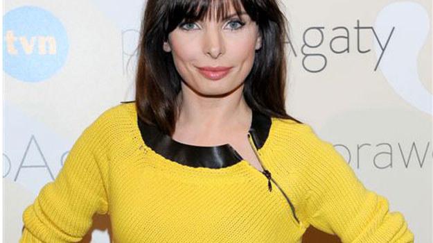 Agnieszka Dygant, serialowa Agata pięknie prezentowała się w żółtej kreacji. Widać, że aktorka wróciła do formy. /  /Agencja W. Impact