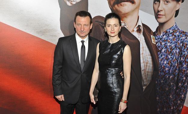 """Agnieszka Grochowska i Robert Więckiewicz na premierze filmu """"Wałęsa. Człowiek z nadziei"""" /AKPA"""