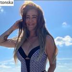 """Agnieszka Kotońska z """"Googlebox"""" wyeksponowała wdzięki w skąpych strojach"""