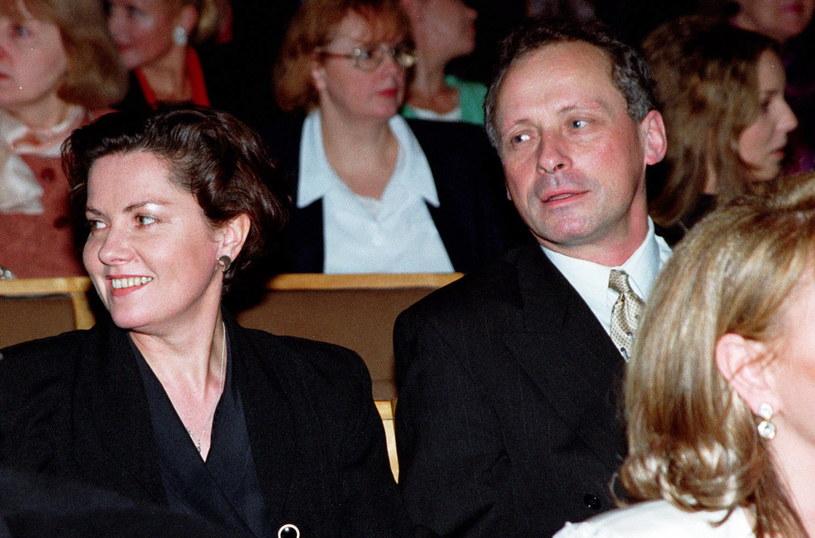 Agnieszka Kotulanka i Paweł Wawrzecki na rozdaniu Telekamer, 1998 r., fot. Studio 69 /Agencja FORUM