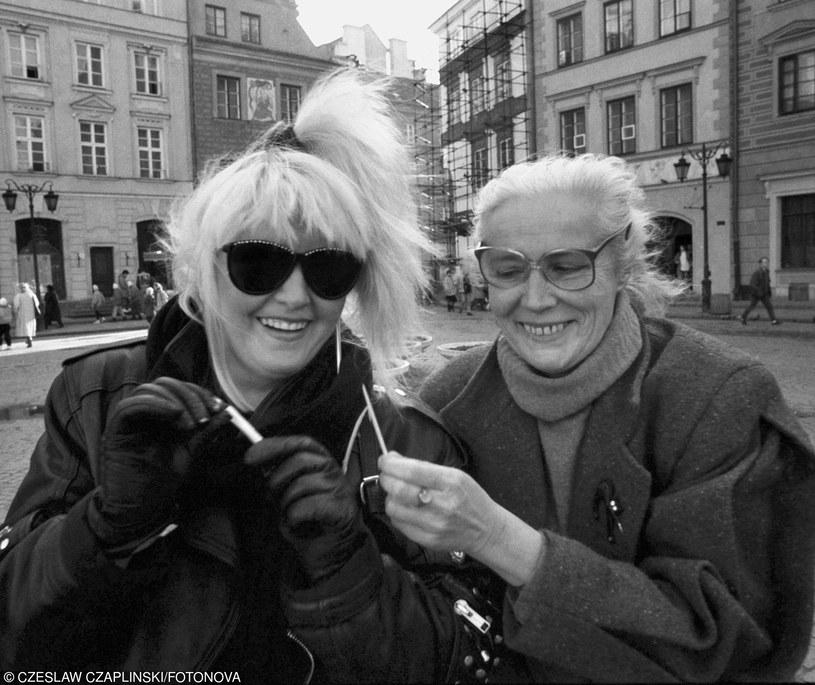 Agnieszka Osiecka poetka, pisarka, autorka tekstów piosenek i Maryla Rodowicz wokalistka /fot. Czesław Czapliński/FOTONOVA /East News