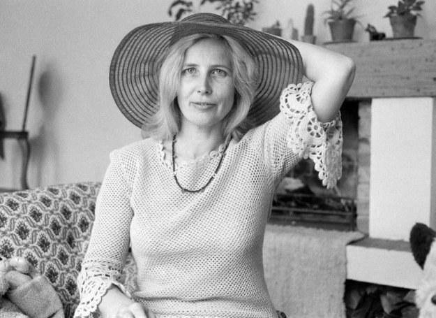 Agnieszka Osiecka to autorka ponad dwóch tysięcy tekstów piosenek. Pisarka miała bujne życie romantyczne /East News