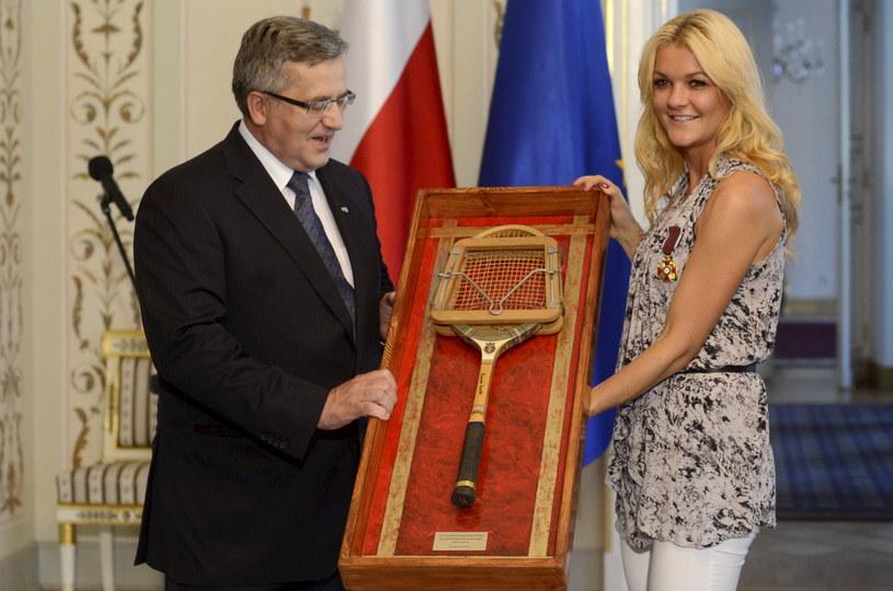 Agnieszka Radwańska wręczyła prezydentowi zabytkową rakietę /Bartłomiej Zborowski /PAP