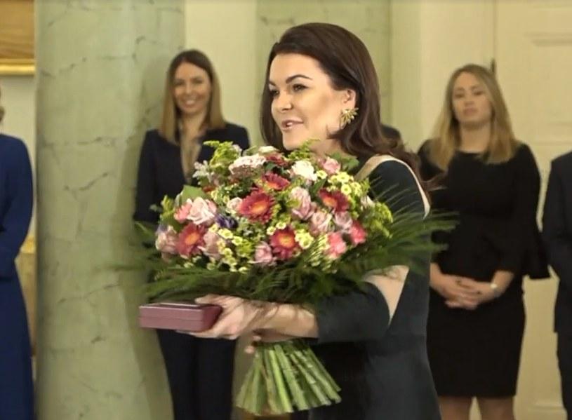 Agnieszka Radwańska z kwiatami od prezydenta RP Andrzeja Dudy /INTERIA.PL