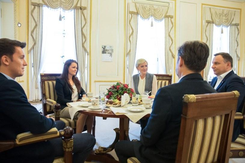 Agnieszka Radwańska z narzeczonym spotkali się z prezydentem Andrzejem Dudą /fot. Twitter Kancelarii Prezydenta /