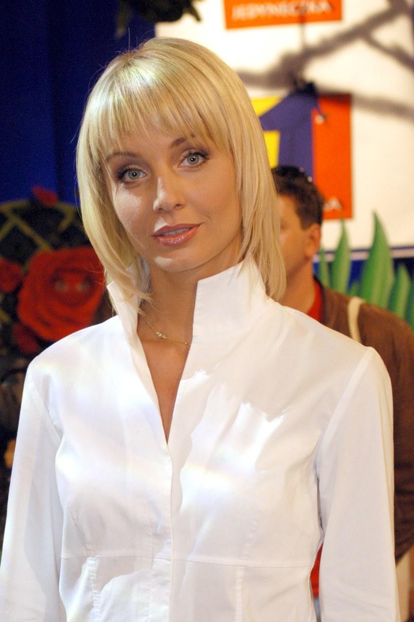 Agnieszka Woźniak-Starak, gdy zaczynała swoją przygodę w TVP, była niewinną blondynką, która dopiero wchodziła w świat show-biznesu /Norbert Urbaniak /Agencja FORUM