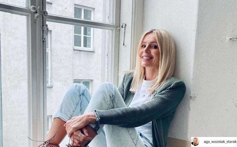 Agnieszka Woźniak-Starak opublikowała nowe zdjęcie, na którym prezentuje ciekawe obuwie /Instagram/@aga_wozniak_starak /Instagram