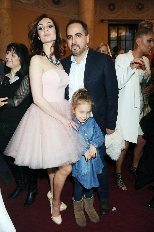 Agustin Egurrola i Nina Tyrka z córką /Piotr Andrzejczak /MWMedia