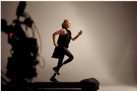 Aimee Mullins odniosła sukces w sporcie mimo swojej niepełnosprawności  /materiały prasowe