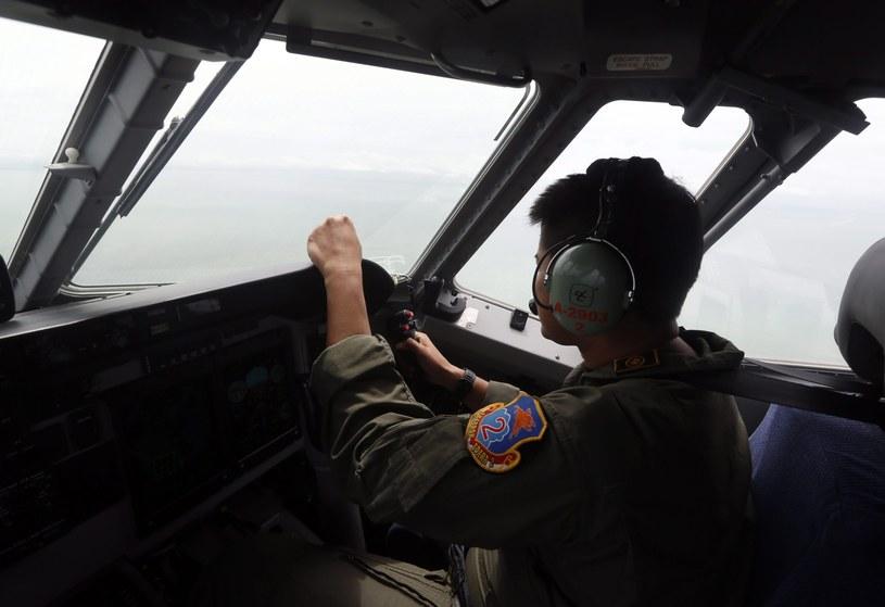 Airbus A320-200, należący do przewoźnika AirAsia, zniknął z radarów o godz. 6.17 w niedzielę /PAP/EPA