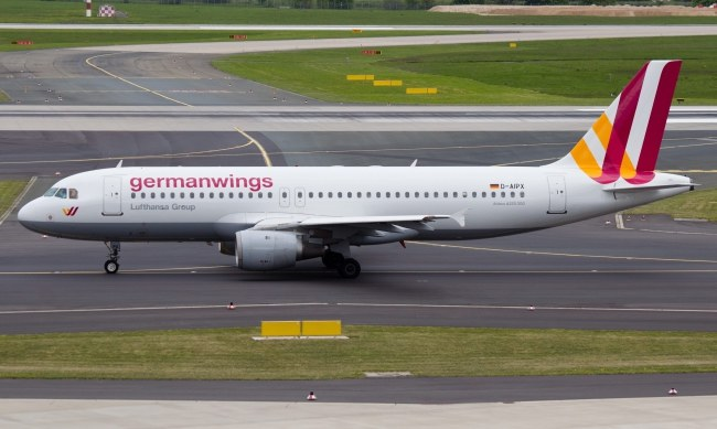 Airbus Germanwings ok. 10.55 nadał sygnał SOS (zdj. ilustracyjne) /DOMINIK GUENTHER /PAP/EPA