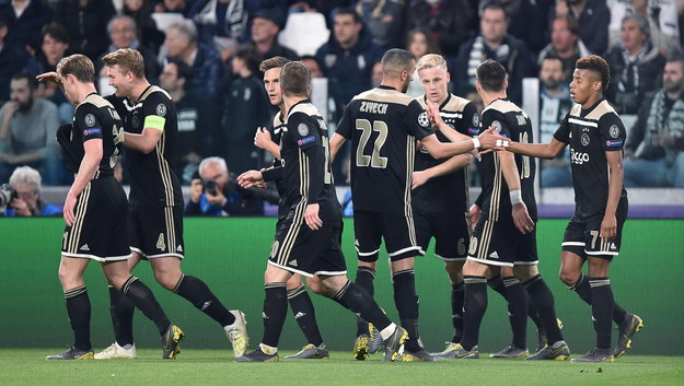 Ajax Amsterdam w trakcie meczu w Juventusem Turyn /ALESSANDRO DI MARCO  /PAP/EPA