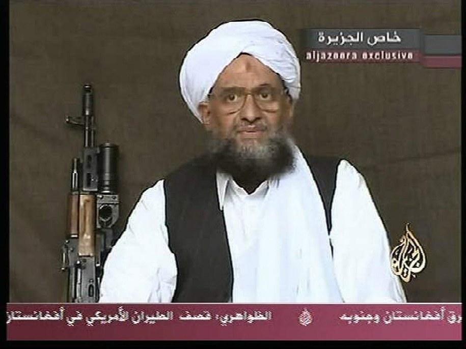 Ajman al-Zawahiri na kadrze z nagrania wideo: podczas wystąpienia dla telewizji Al Dżazira z 2004 roku /AL JAZEERA /PAP/EPA