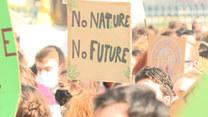 """Akcja """"Bez natury, bez przyszłości"""". Młodzi ludzie protestują w Paryżu"""