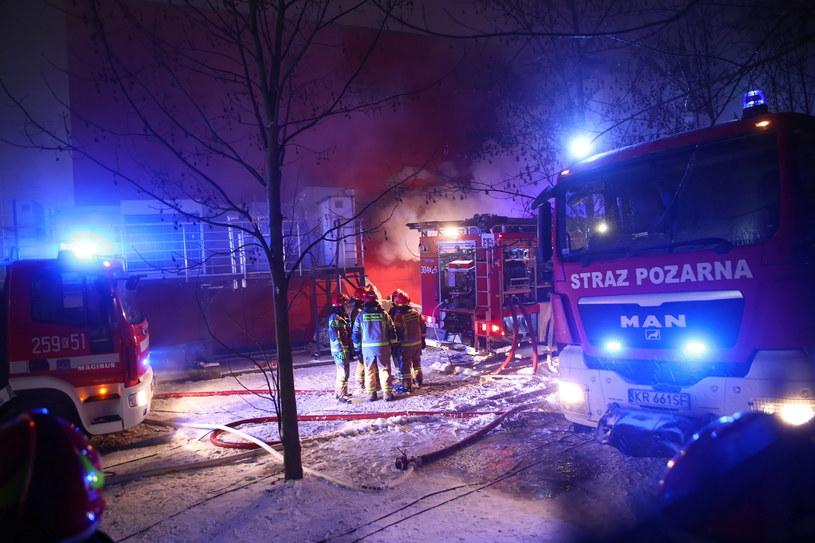 Akcja gaśnicza pożaru w archiwum urzędu miasta w Krakowie /Łukasz Gągulski /PAP
