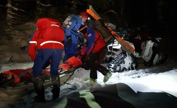 Akcja GOPR w Górach Stołowych. Turysta kilka godzin leżał w śniegu