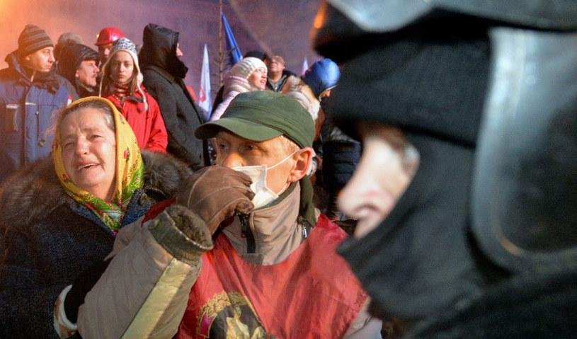 Akcja milicji spotkała się z natychmiastową reakcją mieszkańców Kijowa. /AFP